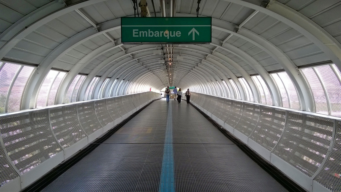 #trem #passarela #subway #SãoPaulo #Brazil #Nokialumia #Lumia830 #nofilter #photography #city