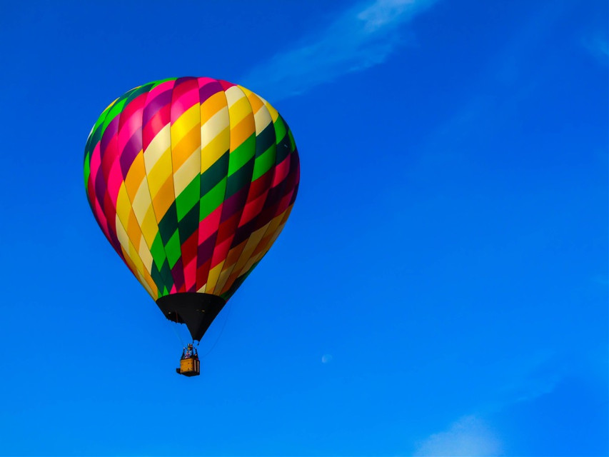 Waving goodbye as the hot air balloon floated away. [*F] [*FTE]  #freetoedit #photography  #sky #colorful #wave #balloon #hotairballoon